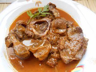 receta paso a paso para preparar un delicioso ossobuco de ternera en salsa. Solo os digo que prepareis bastante pan para mojar, está buenísima