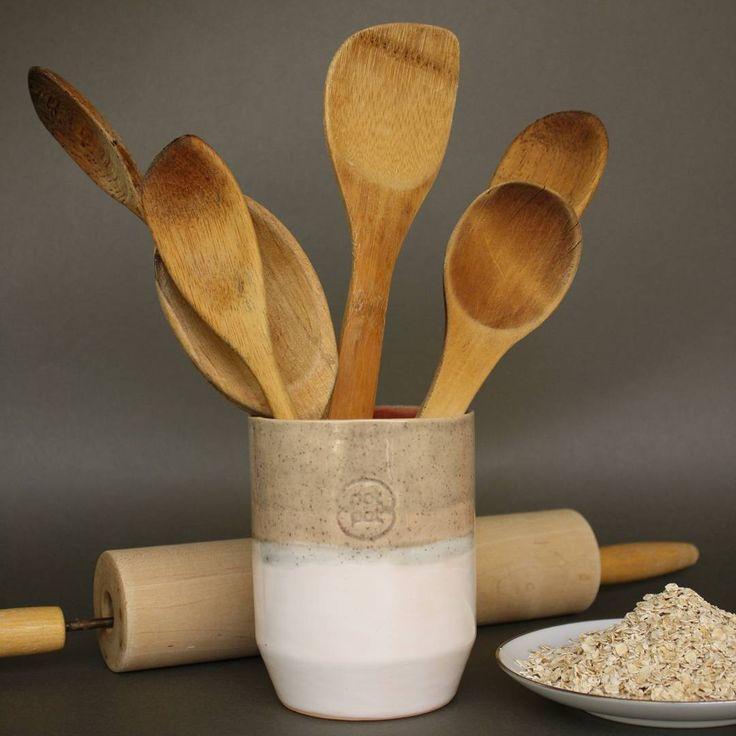 """""""Esta es una simple demostración de lo que puedes hacer con las piezas #potpot :-D #wood #spoon #kitchen #ceramic #funtional #colors"""""""