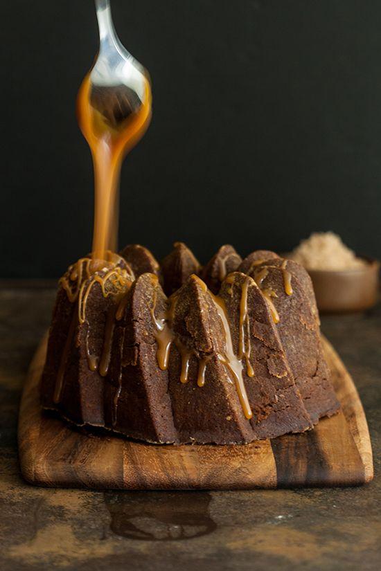 Bundt cake de chocolate, cerveza porter y caramelo cc @Sara Eriksson Eriksson Olivera Magazine Food&Photo Pizcadsal.diariocorreo.pe