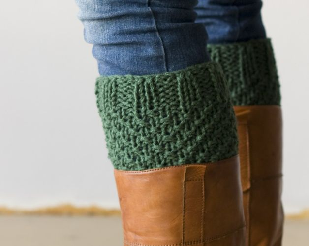 earthy colors on dawanda.com Leg warmers – Boot cuffs in green – a unique product by homelab on DaWanda