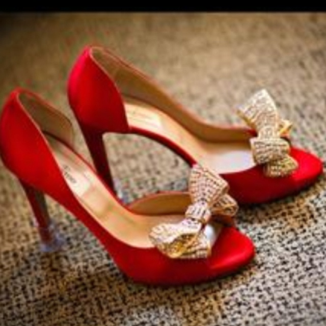 Red Wedding Shoes Perfect For An Autumnal In Puglia Apulia Italy