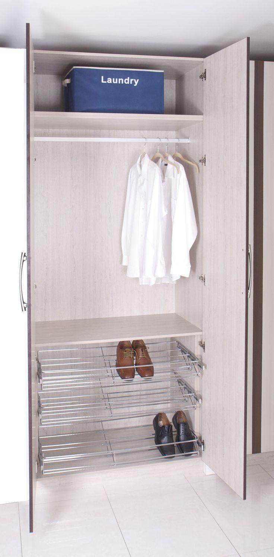 Closet con zapatera closets y walk in closets for Closet modernos con zapatera