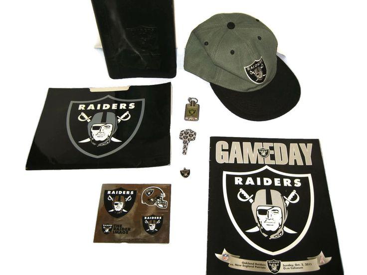 Raiders Souvenirs Mixed 8 pc Cap Key 2011 Game Day Statistics Binder Folder #Raiders
