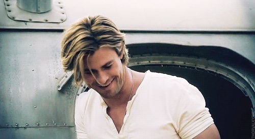 When his hair flopped in juuust the right way. | 32 Times Chris Hemsworth Made You Pregnant Without Even Touching You