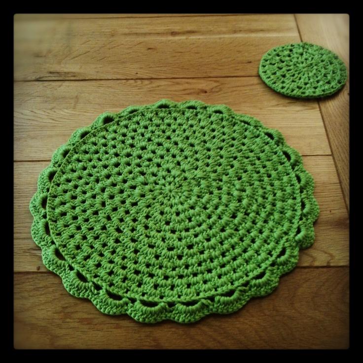 17 best images about placemats on pinterest free pattern - Set de table crochet ...