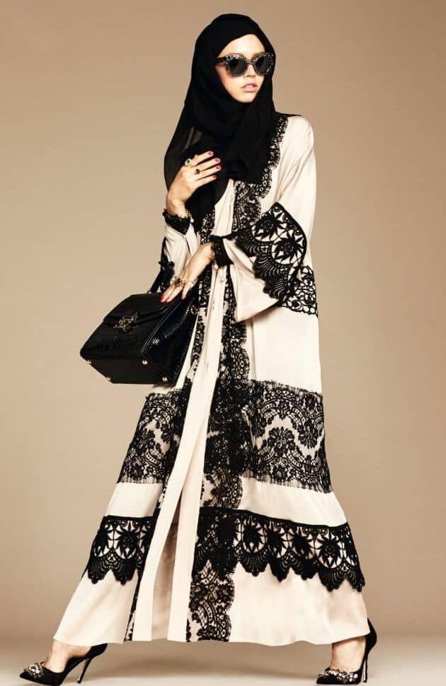 طرح دار الأزياء الإيطالي الشهير دولتشي آند غابانا Dolce Gabbana مؤخرا ولأول مرة مجموعة عبايات للمرأة الخل Abaya Fashion Muslim Women Fashion Hijabi Fashion