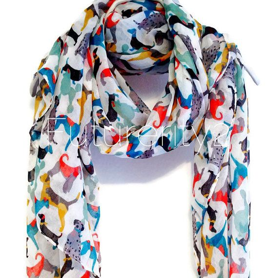 This beautiful Dogs off white scarf will look great with any outfit, perfect for everyday wear,an elegant party or a little gift for someone special.