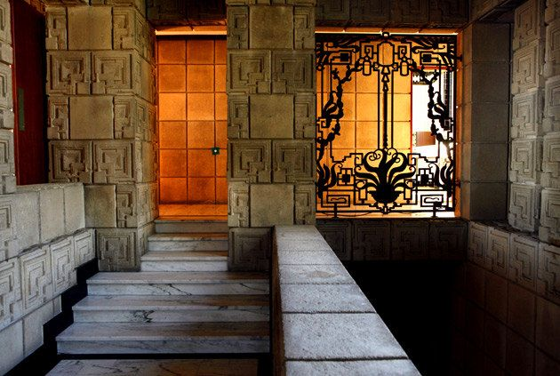 Ennis House, entry passage -- 1924 -- Los Angeles, California. Photography by Liz O. Baylen, Los Angeles Times.