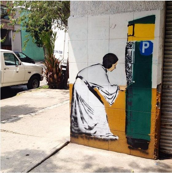 Jenaro de Rosenzweig's street art features piñatas, lucha libre masks, and tire-repairing Jawas working at a talachería.