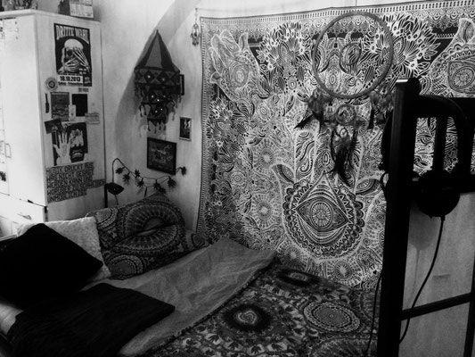 Indische Mandala Tagesdecken, Wandtuecher und Wandbehaenge mit edlem, hochwertigen Golddruck. 100% Baumwolle. Dekotuch zu festlichen Anlaessen. Einzel- und Großhandel.