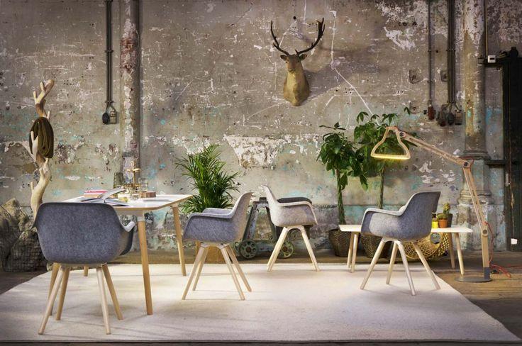 Vepa stoel Felt - vierpoot hout met bijzettafels Vepa Skeef