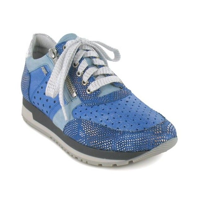 Lumineuses, confortables et faciles à chausser, les baskets