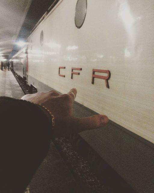 I said: GO CFR!  ' Iar el s'a apucat sa fumeze pentru a avea o voce groasa, intocmai cum ii place ei '  Nu'i asa ca e #romantic !??  www.talosdarius.ro
