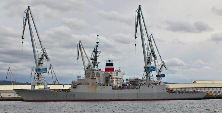 """Fragata """"Cristobal Colón"""" (F-105)"""