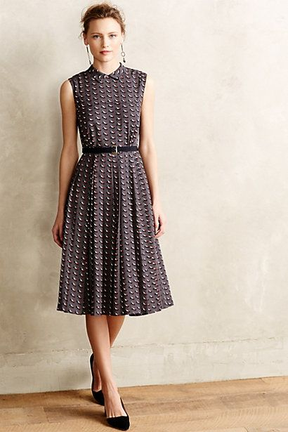 cute neck detail and bodice gathering at waist. love the grosgrain belt!