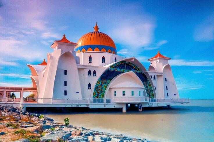 Meczet Masjid Selat Melaka, Malezja / Masjid Selat Melaka, Малайзія  Zapraszamy: http://www.nevadatravel.pl/?ep3%5B0%5D=%3Fsid%3D7urv0ijcstfuu9gribe9ogodiocn7k82%26lang%3Dpl%26sd%3D14.03.2015%26ed%3D10.04.2015%26tt%3DF%26sp%3D3%26st%3DPA&ep3%5B1%5D=ds%3D2599%253A