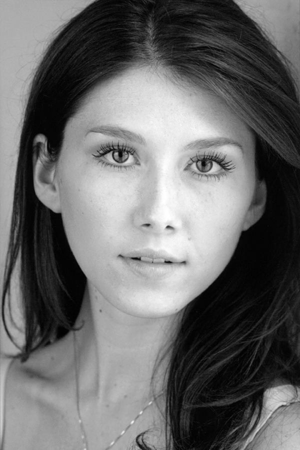 Jewel Staite- she is so pretty! And also in an episodeof Supernatural :3