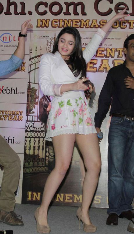 Hot and Sexy HD Images of Indian Film Actresses and Models: Alia Bhatt