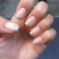 Jolis ongles nude pailletés !