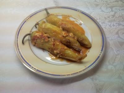 green peppers stuffed with eggs, cheese and ham/ Πιπεριές γεμιστές με αυγά, τυρί και ζαμπόν