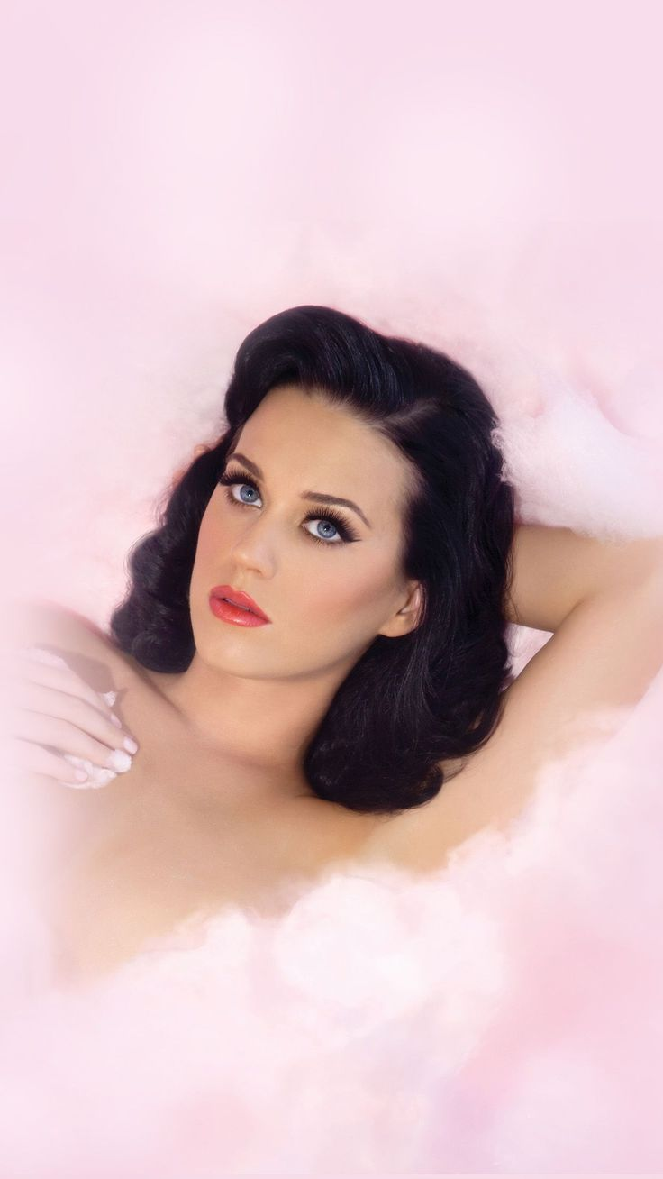 Wallpaper iphone katy perry - Katy Perry Goes Vintage With A Pin Up Hairstyle And A Classic Makeup Look