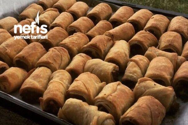 Arnavut Böreği Tarifi nasıl yapılır? 612 kişinin defterindeki Arnavut Böreği Tarifi'nin resimli anlatımı ve deneyenlerin fotoğrafları burada. Yazar: Deniz Özkara Akikol