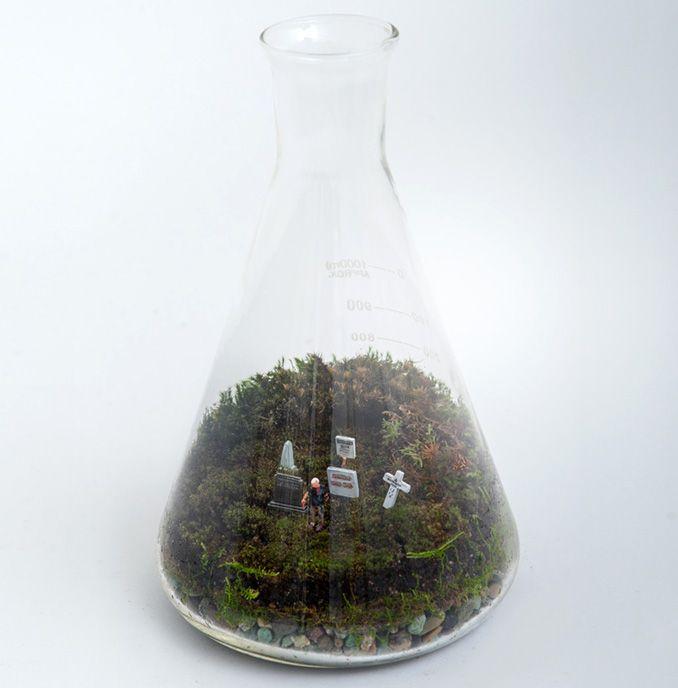 petite green zombie mossarium zombie miniature. Black Bedroom Furniture Sets. Home Design Ideas