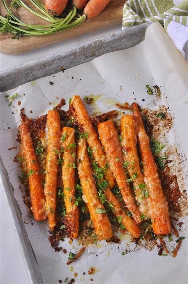 Морковь, запеченная в пармезане