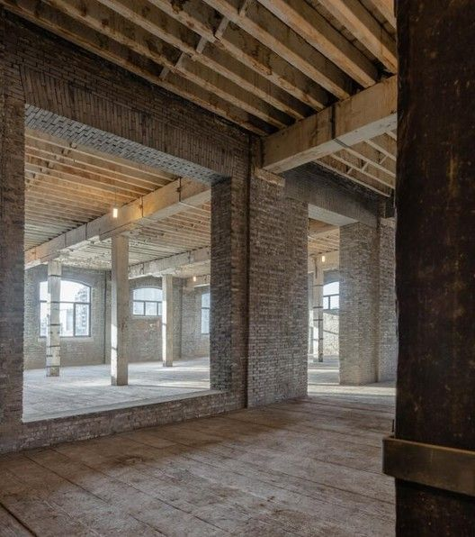 interior raw. old warehouse © Dirk Weiblen
