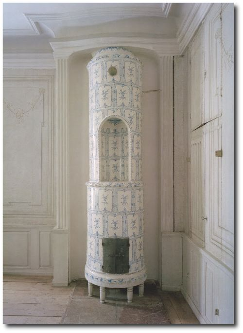 French Blue and White Tile   Blue and White Swedish Stove 500x683 A Nordic Design Staple The ...