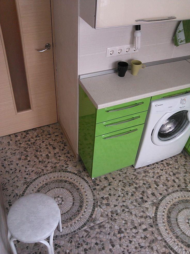 Маленькая угловая кухня зелёный с белым | Акварель-мебель