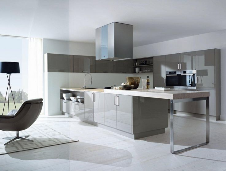 This sleek next125 kitchen is a designer kitchen without the designer price tag