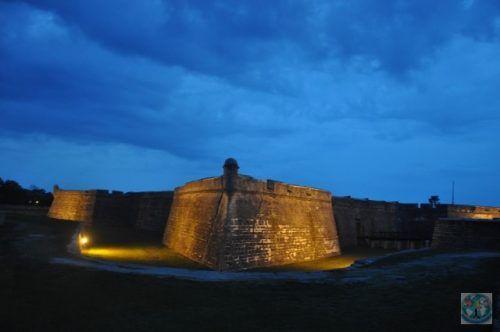 Sf. Augustin cu Castillo de San Marcos este un oras colonial spaniol, cunoscut ca fiind cel mai vechi oras din Statele Unite ale Americii.  Faceți o vizită și nu veți regreta