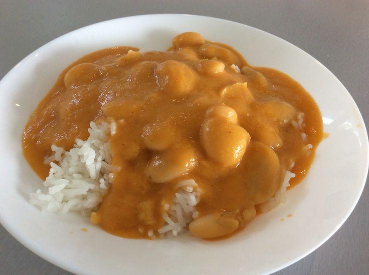 Bílé fazole s rajskou omáčkou a rýží
