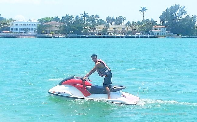 Miami Yacht Charter Boat With Jet Ski, Kayak, or Tube