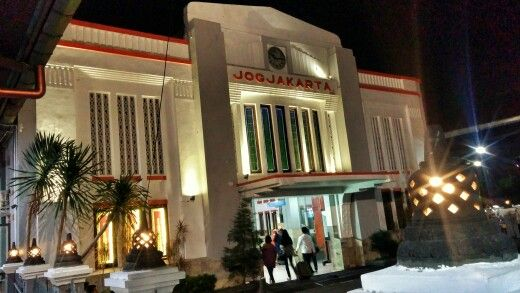 Stasiun Tugu Jogjakarta Indonesia