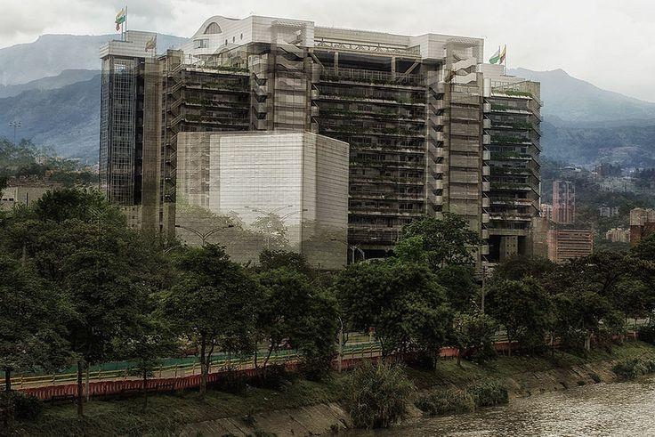 https://flic.kr/p/HPMZGU   C&C Medellín EPM   Vista al edificio inteligente.