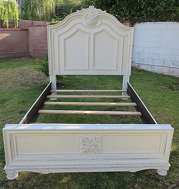 SHABBY CHIC/FRENCH PROVINCIAL QUEEN BED FRAME COTTAGE