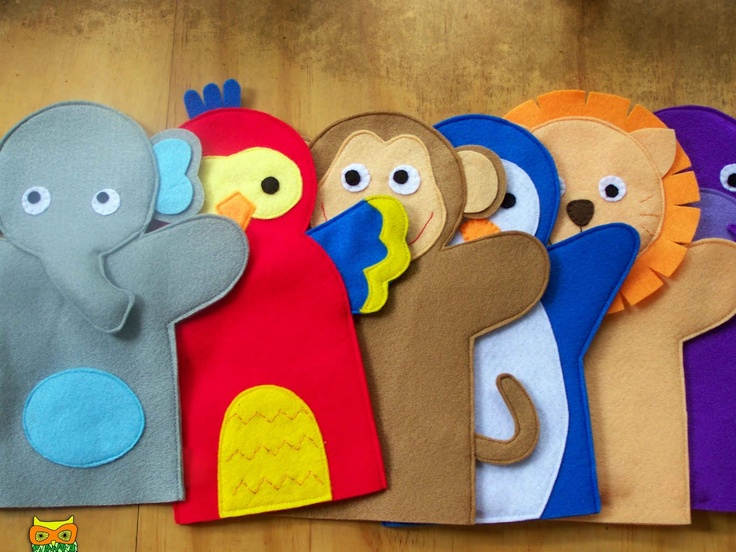 Easy hand puppets that you can make with your children and put on a family puppet show! Fun!