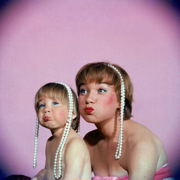 Shirley MacLaine and her daughter, Sachi Parker, in 1959. http://ti.me/11YYj4X (Allan Grant—Time & Life Pictures/Getty Images)