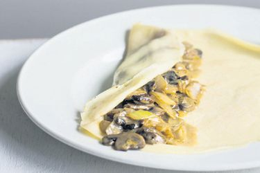 Savoury crepes with mushrooms sour creme