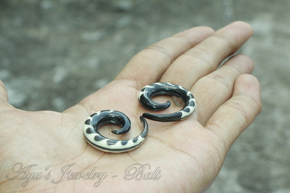 2ga Black Spiral Fire Tattoo Horn Ear Extender Real by ayujewelry, $12.50 #Etsy #Piercing #Tribal #HornEarrings #TribalGauge