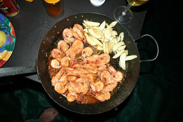 Prawns with olive oil, garlic and peri-peri