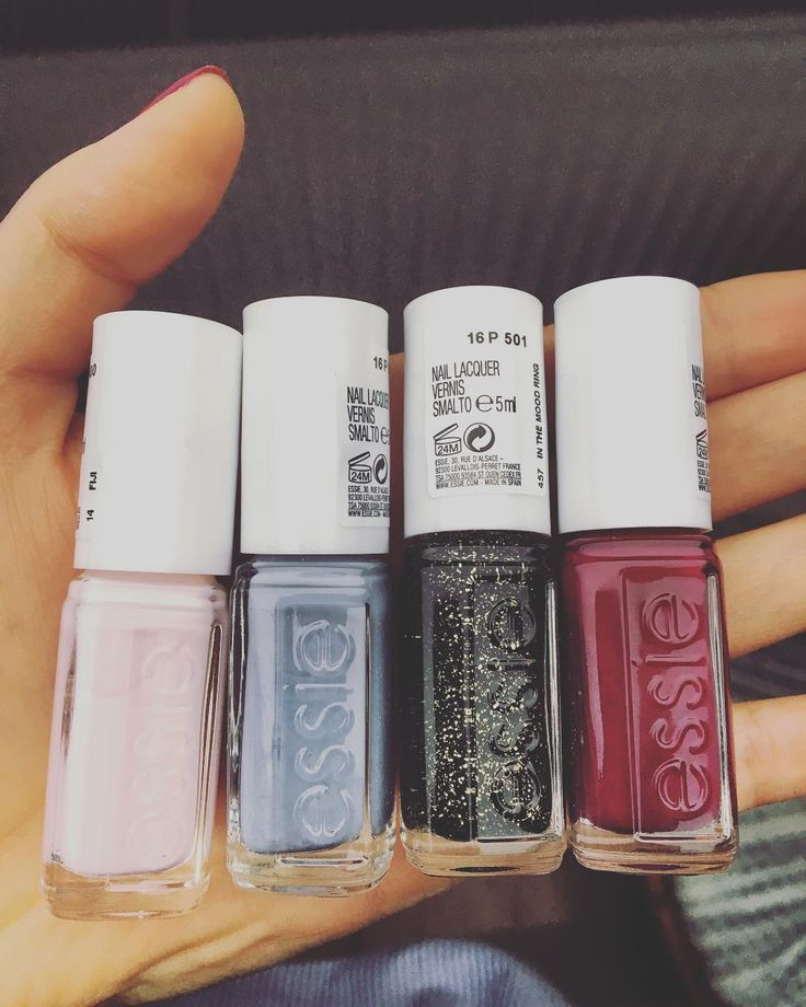 Goodies from a dear friend  #essienailpolish #christmasedition #lovelycolors