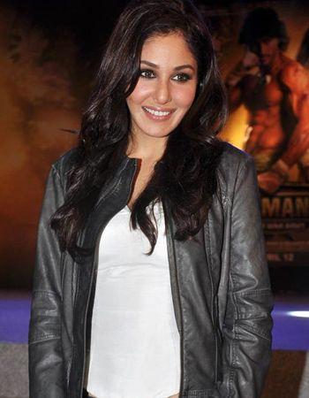 Pooja Chopra talks about her inhibitions!