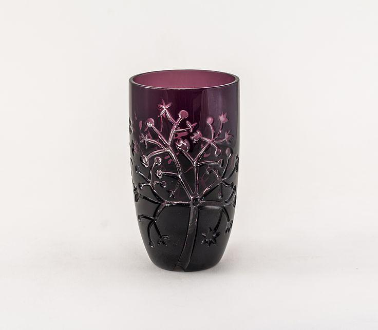 Crystal vase by Csilla Szilágyi http://www.magma.hu/muveszek.php?id=96