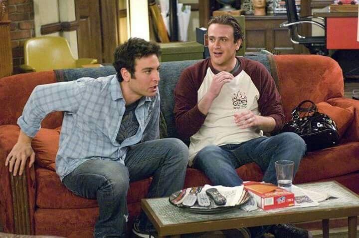 """Ted: Oh gran Dio TV, ti ringraziamo dei doni che ci hai dato. Solo un Dio poteva permettere di stoppare l'immagine per andare in bagno. E che dire del dispositivo salta spot? Sembrerà eccessivo chiederti ancora di più, o magica scatola, ma se per caso tu ti inceppi e perdiamo il Superbowl ti distruggeremo a colpi di mazza da baseball.  Ted e Marshall: Amen.  (""""How i met yor mother"""")"""