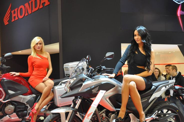 38 best images about hotesses salon auto moto on pinterest for Hotesse salon moto