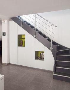 Placard sous escalier sur mesure Paris, Nantes, Vannes, Lorient : meuble sous escalier