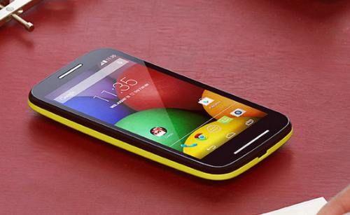 Harga Motorola Moto E - Spesifikasi Motorola Moto E, Kelemahan Motorola Moto E, Keunggulan Motorola Moto E, Fitur Motorola Moto E, Review Motorola Moto E.